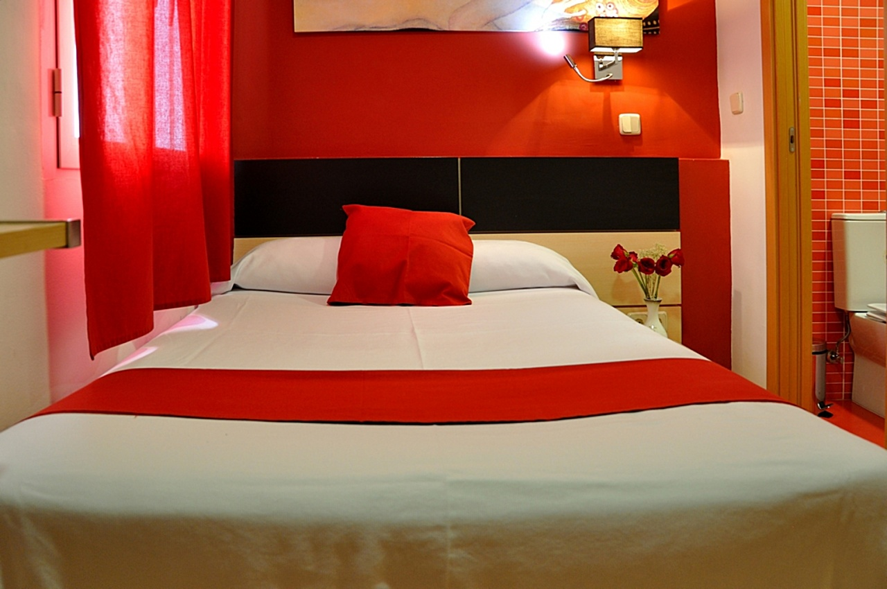 Superior Single Room with Shared Bathroom - Rooms - Bienvenido al Hostal Falfes